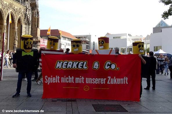 Maar de Merkel Lego blijft nog jaren liggen...