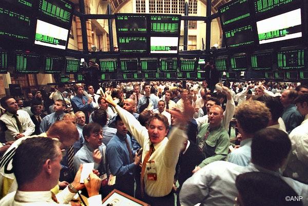 De beursopening op 5 oktober 1998 om 09:30 in de FTI Pit (futures op de AEX-index)