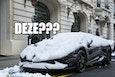 Wel ff sneeuwkettingen omheen leggen. Of winterbanden