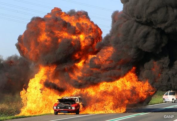 Willekeurige autobrand op willekeurige locatie uit willekeurige ANP fotoreeks