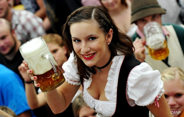 Oktoberfest nackt Online Live